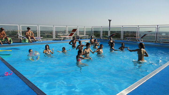 Alberghi con piscina romagna hotel lido di classe vacanze italia - Hotel bagno di romagna con piscina ...
